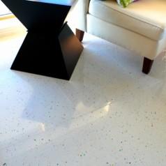 Płytki podłogowe w salonie